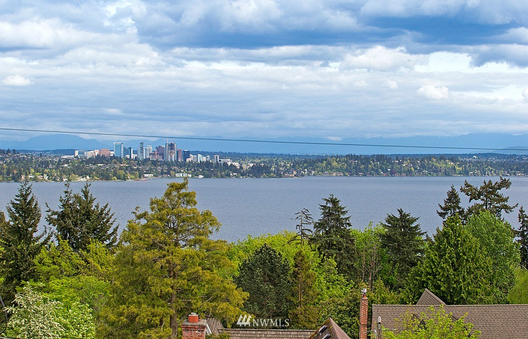 Sold Property | 906 36th Avenue Seattle, WA 98122 9