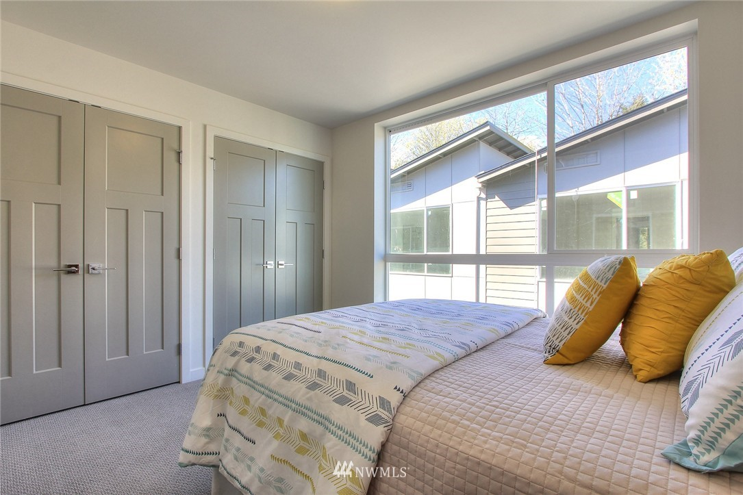 Sold Property | 3803 Martin Luther King Jr Way S Seattle, WA 98108 12