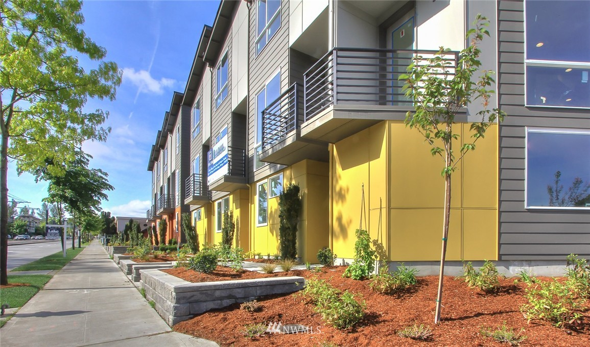 Sold Property | 3803 Martin Luther King Jr Way S Seattle, WA 98108 16
