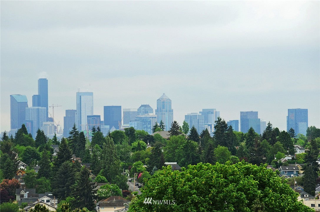Sold Property   7828 Banner Way NE Seattle, WA 98115 2
