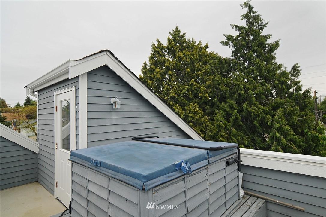 Sold Property   7828 Banner Way NE Seattle, WA 98115 17