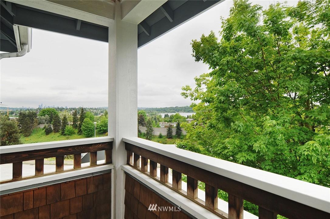 Sold Property   7828 Banner Way NE Seattle, WA 98115 14