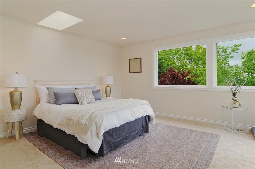 Sold Property   7828 Banner Way NE Seattle, WA 98115 8