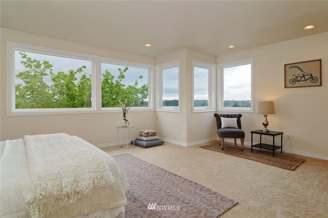 Sold Property   7828 Banner Way NE Seattle, WA 98115 9