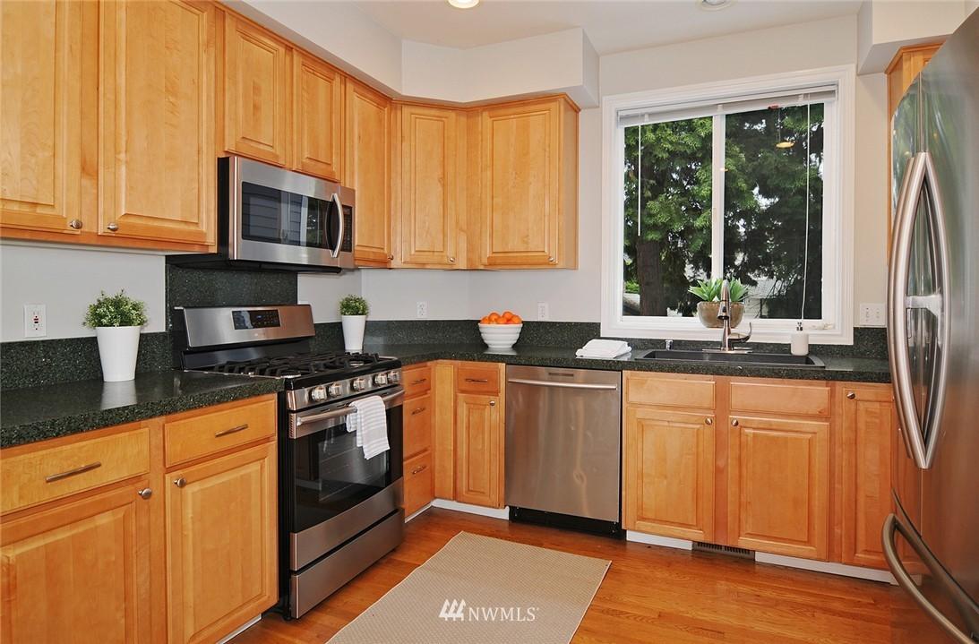Sold Property   7828 Banner Way NE Seattle, WA 98115 7