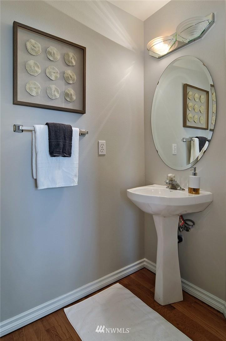 Sold Property   7828 Banner Way NE Seattle, WA 98115 15