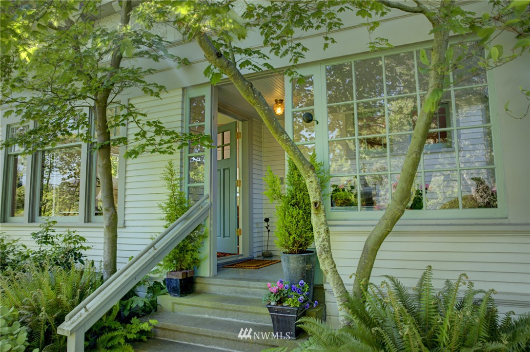 Sold Property | 3225 NW 59th Street Seattle, WA 98107 2