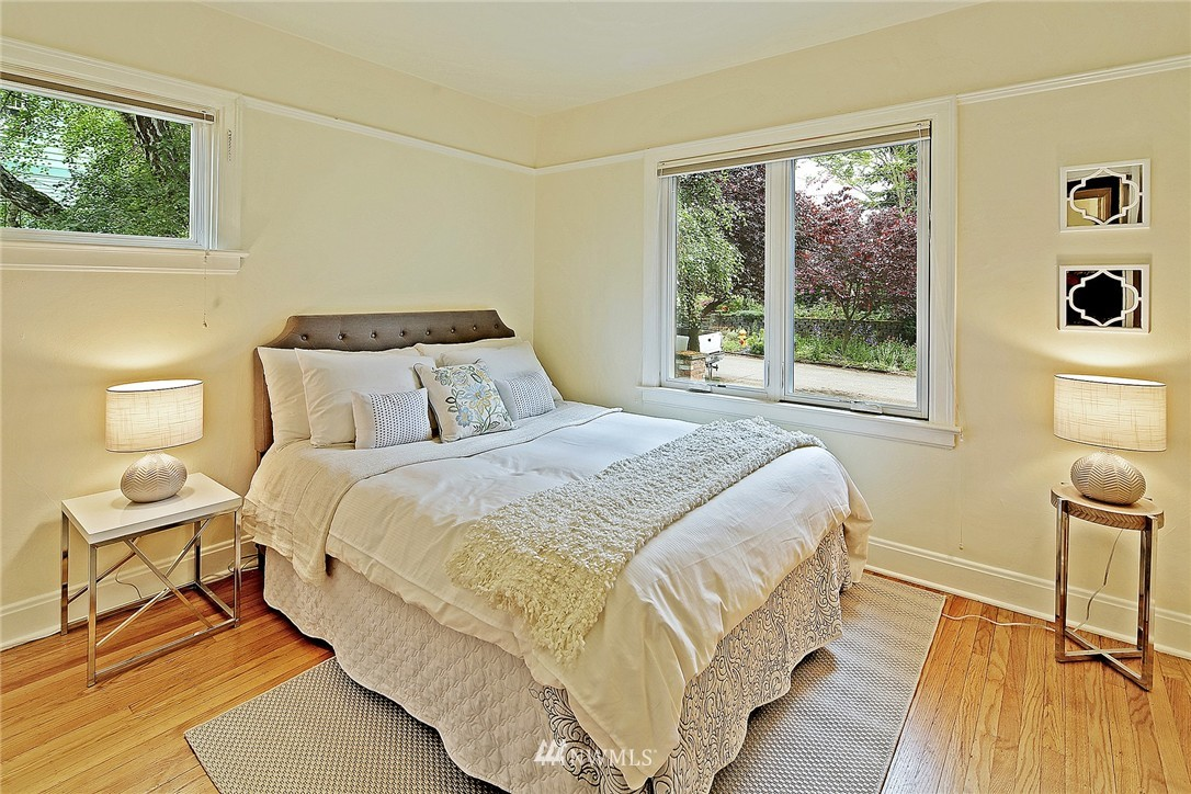 Sold Property   6727 12th Avenue NW Seattle, WA 98117 9