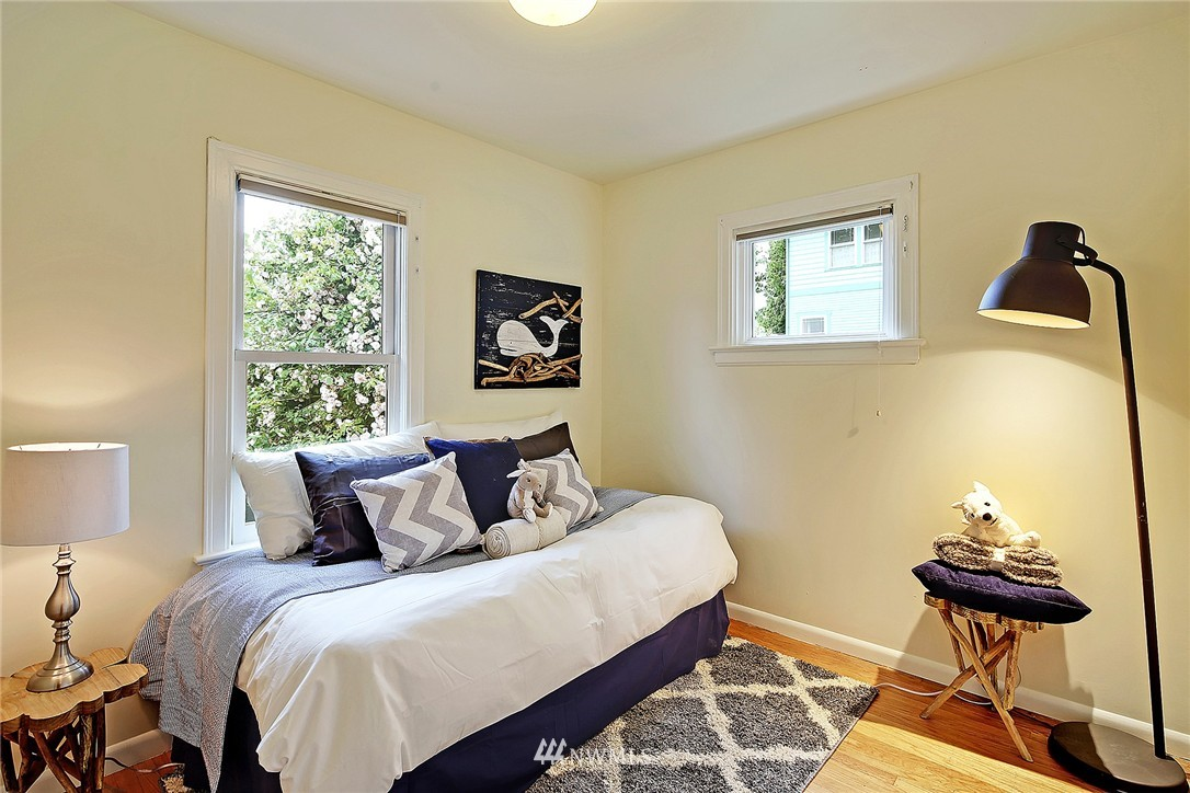 Sold Property   6727 12th Avenue NW Seattle, WA 98117 10