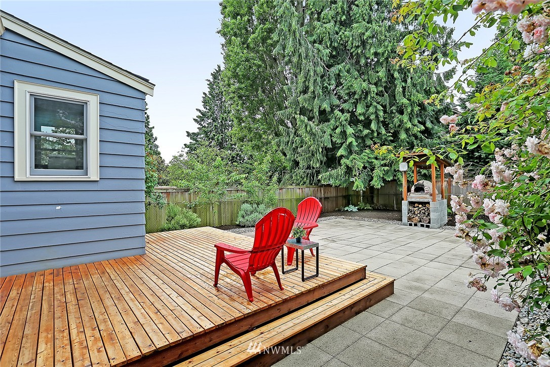 Sold Property   6727 12th Avenue NW Seattle, WA 98117 15