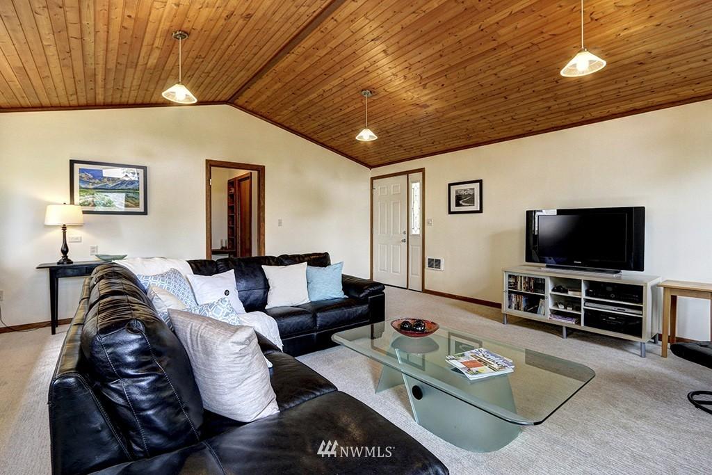 Sold Property   14538 27th Avenue NE Shoreline, WA 98155 3