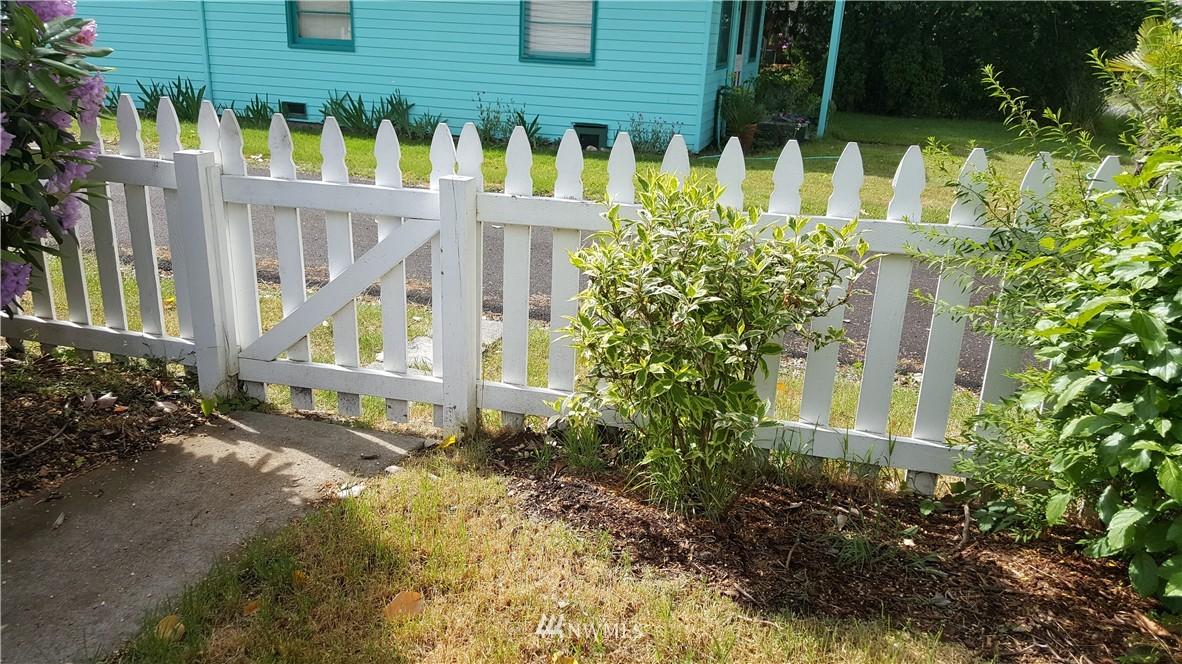 Sold Property   11010 53rd Avenue S Seattle, WA 98178 13