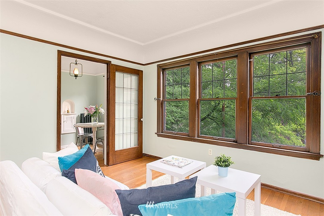 Sold Property | 323 16th Avenue E #303 Seattle, WA 98112 2