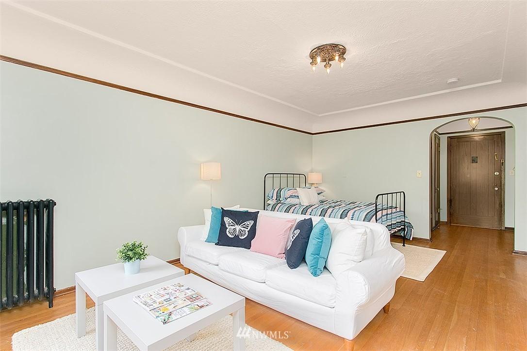 Sold Property | 323 16th Avenue E #303 Seattle, WA 98112 1