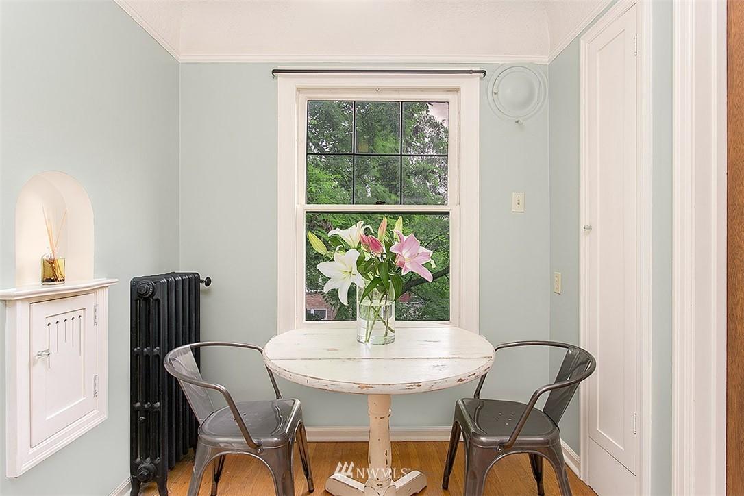Sold Property | 323 16th Avenue E #303 Seattle, WA 98112 5