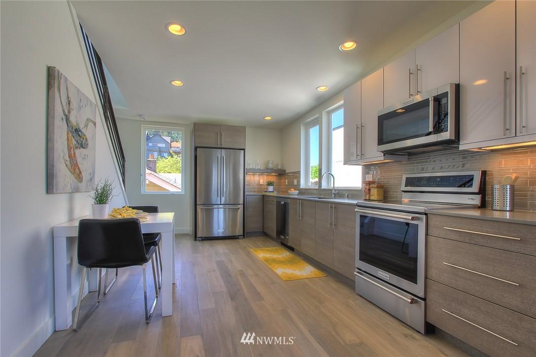 Sold Property   3012 4th Avenue W Seattle, WA 98119 12