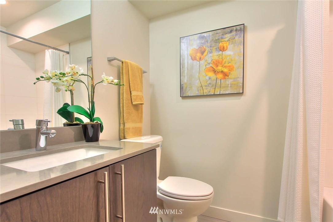 Sold Property   3012 4th Avenue W Seattle, WA 98119 4