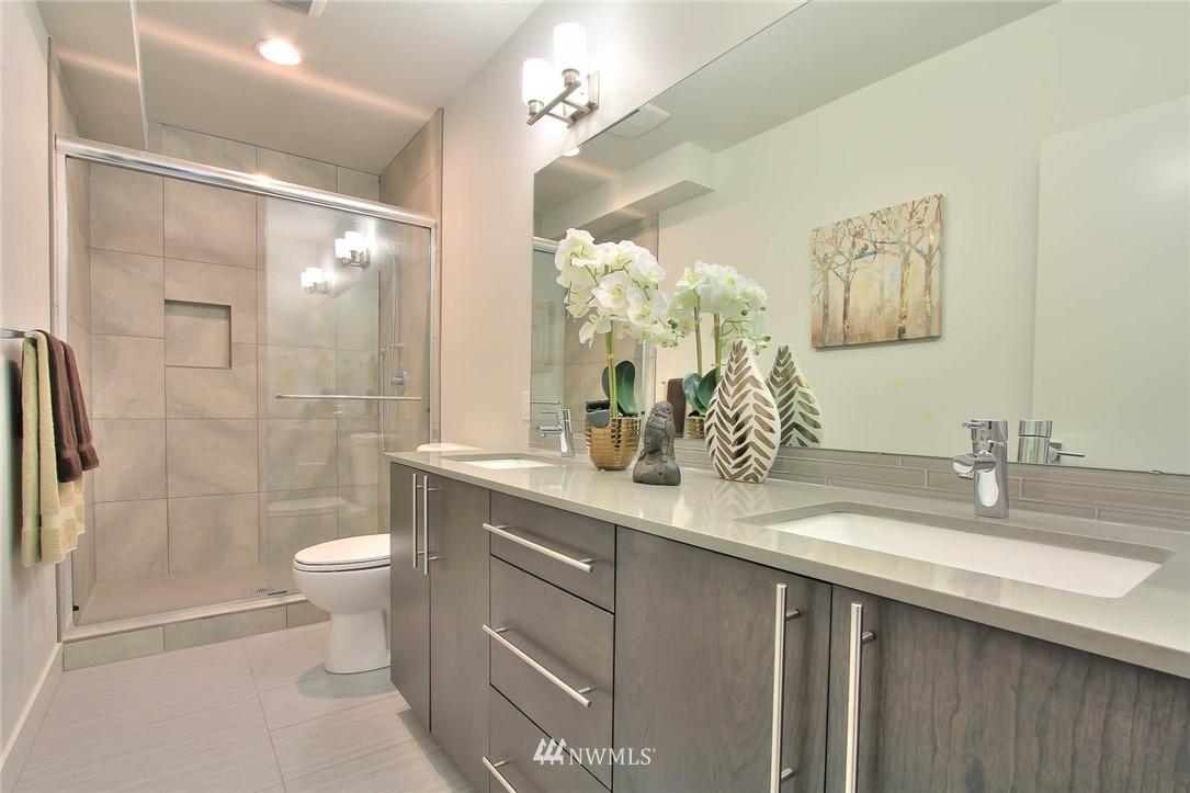 Sold Property   3012 4th Avenue W Seattle, WA 98119 7
