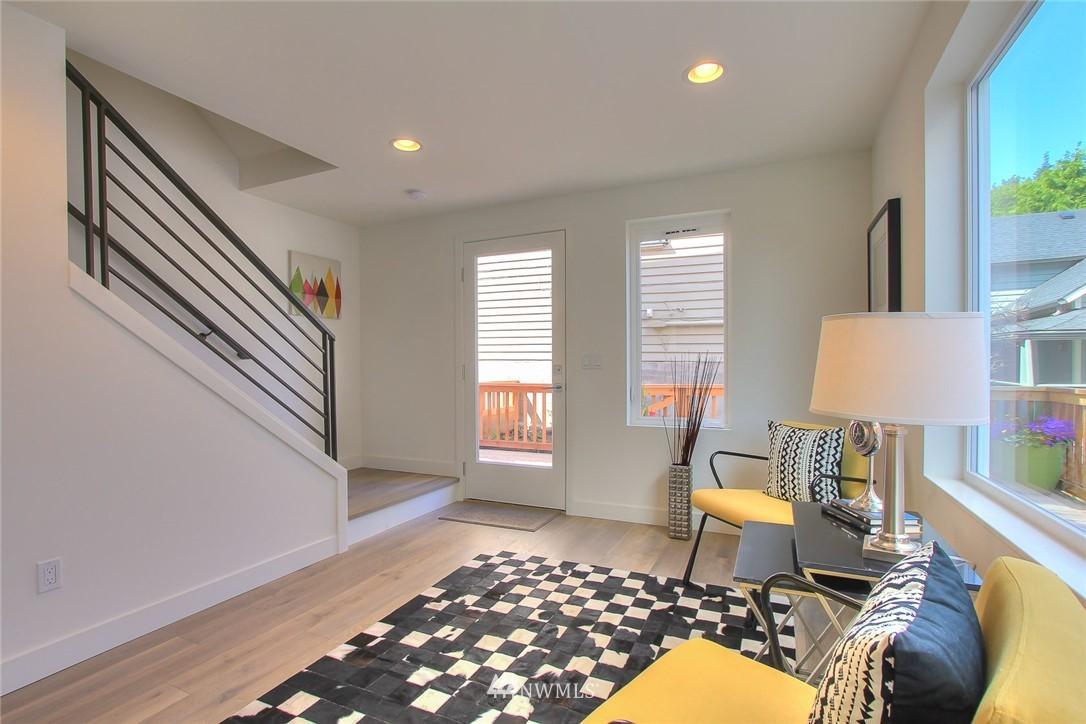 Sold Property   3012 4th Avenue W Seattle, WA 98119 2