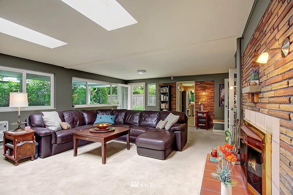 Sold Property | 10759 Sand Point Way NE Seattle, WA 98125 4