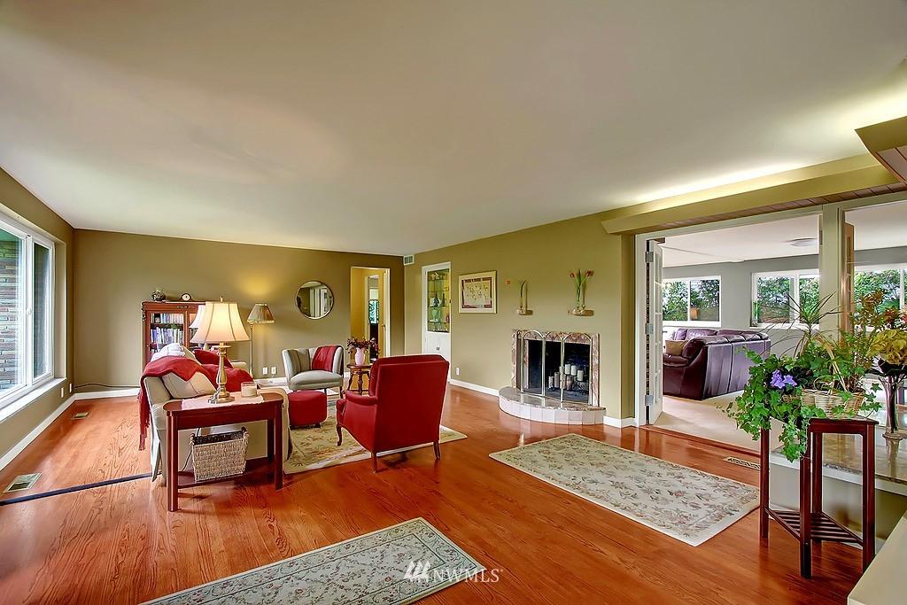 Sold Property | 10759 Sand Point Way NE Seattle, WA 98125 5