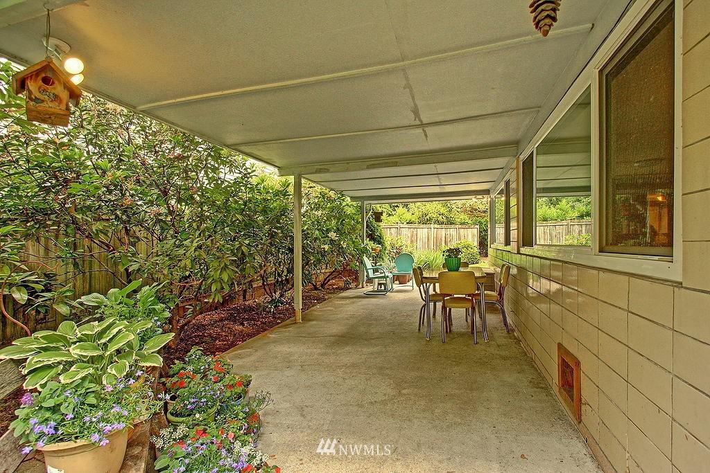 Sold Property | 10759 Sand Point Way NE Seattle, WA 98125 9