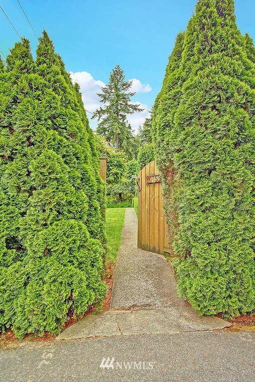 Sold Property | 10759 Sand Point Way NE Seattle, WA 98125 10