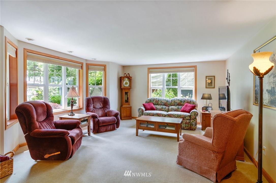 Sold Property | 532 N 195th Street Shoreline, WA 98133 4