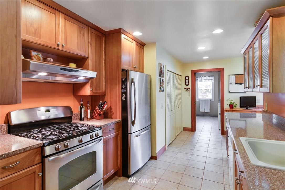 Sold Property | 532 N 195th Street Shoreline, WA 98133 6