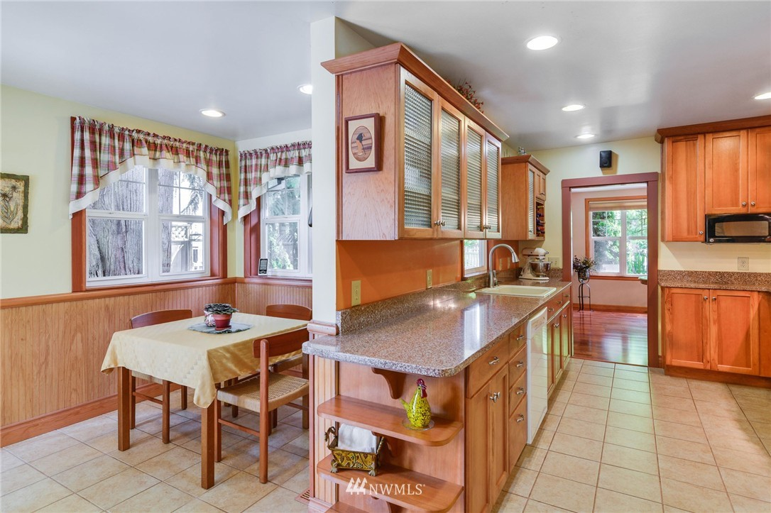 Sold Property | 532 N 195th Street Shoreline, WA 98133 7