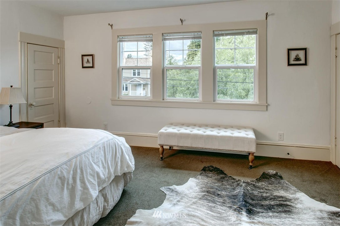 Sold Property | 1718 Nob Hill Avenue N Seattle, WA 98109 14