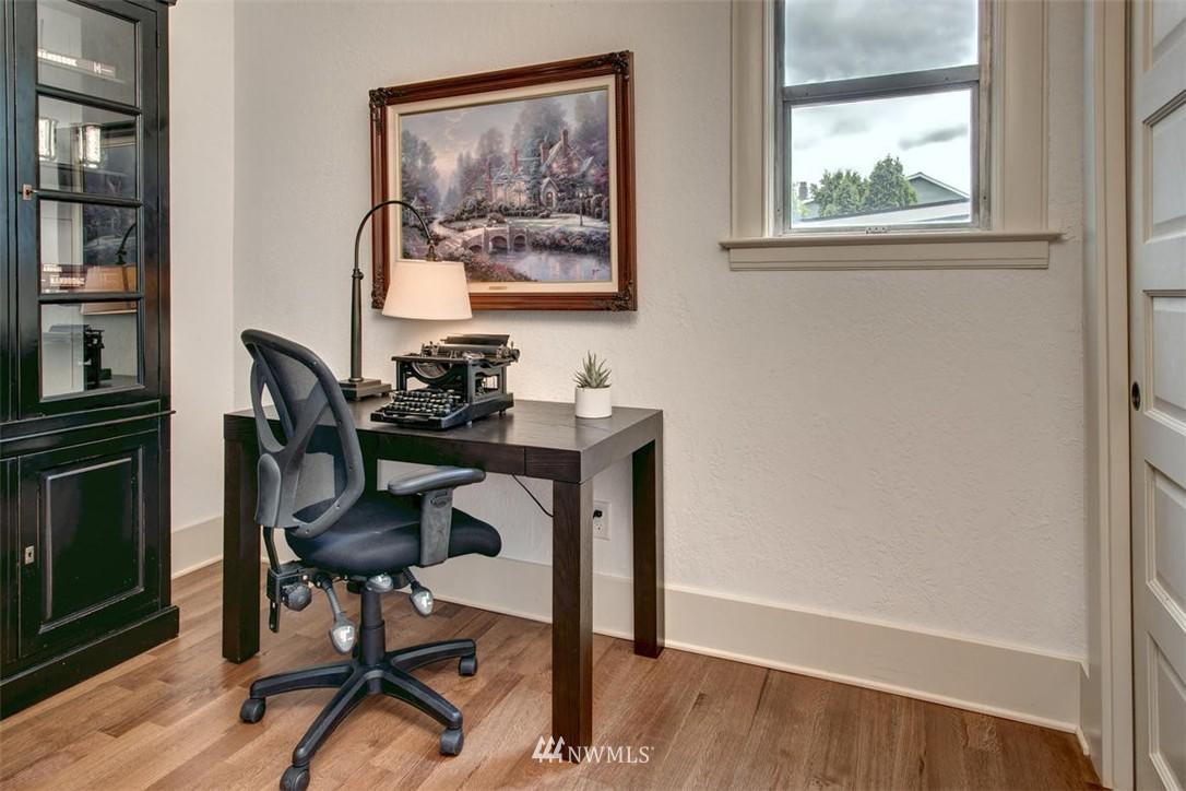 Sold Property | 1718 Nob Hill Avenue N Seattle, WA 98109 13