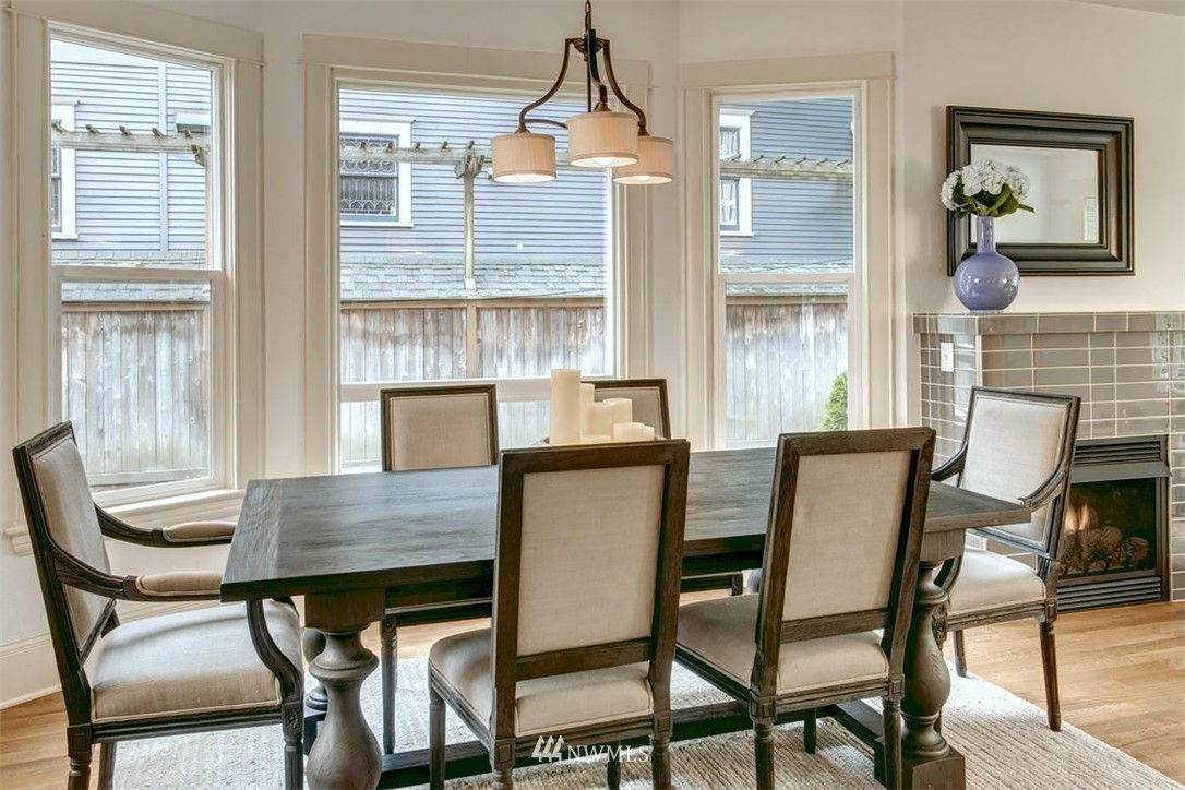 Sold Property | 1718 Nob Hill Avenue N Seattle, WA 98109 5