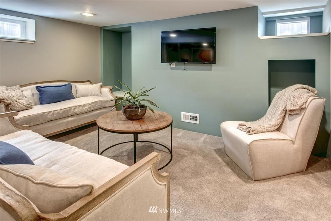 Sold Property | 1718 Nob Hill Avenue N Seattle, WA 98109 21