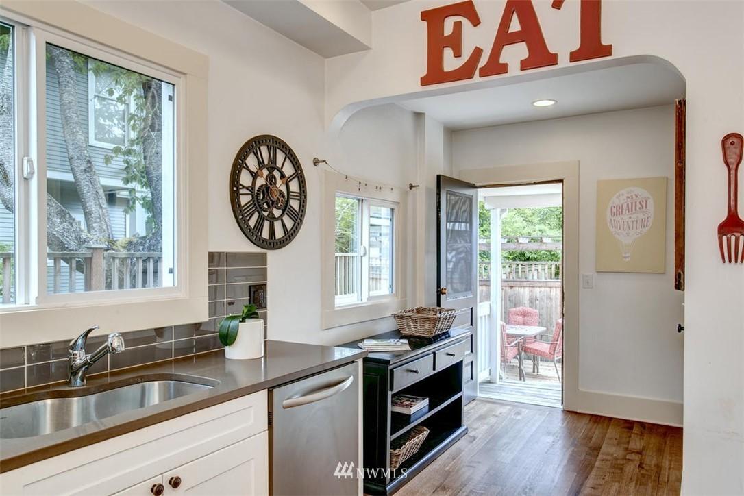 Sold Property | 1718 Nob Hill Avenue N Seattle, WA 98109 9