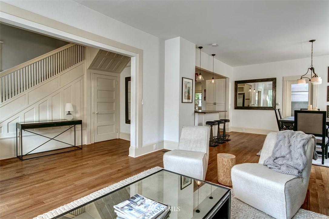 Sold Property | 1718 Nob Hill Avenue N Seattle, WA 98109 4