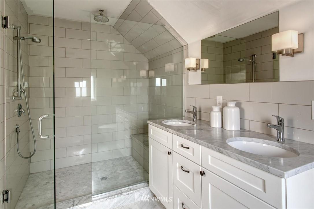 Sold Property | 1718 Nob Hill Avenue N Seattle, WA 98109 18