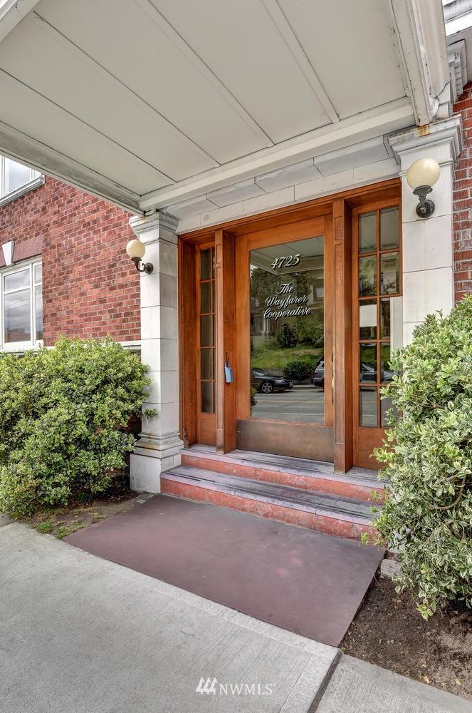Sold Property | 4725 15th Avenue NE #16 Seattle, WA 98105 1