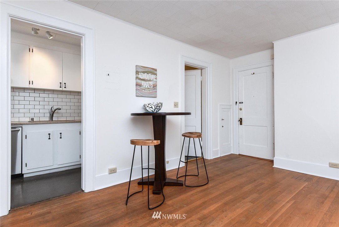 Sold Property | 4725 15th Avenue NE #16 Seattle, WA 98105 6