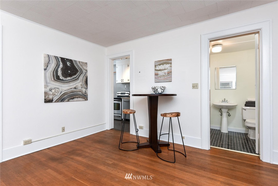 Sold Property | 4725 15th Avenue NE #16 Seattle, WA 98105 7