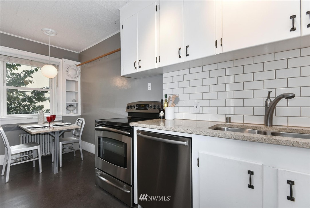 Sold Property | 4725 15th Avenue NE #16 Seattle, WA 98105 8
