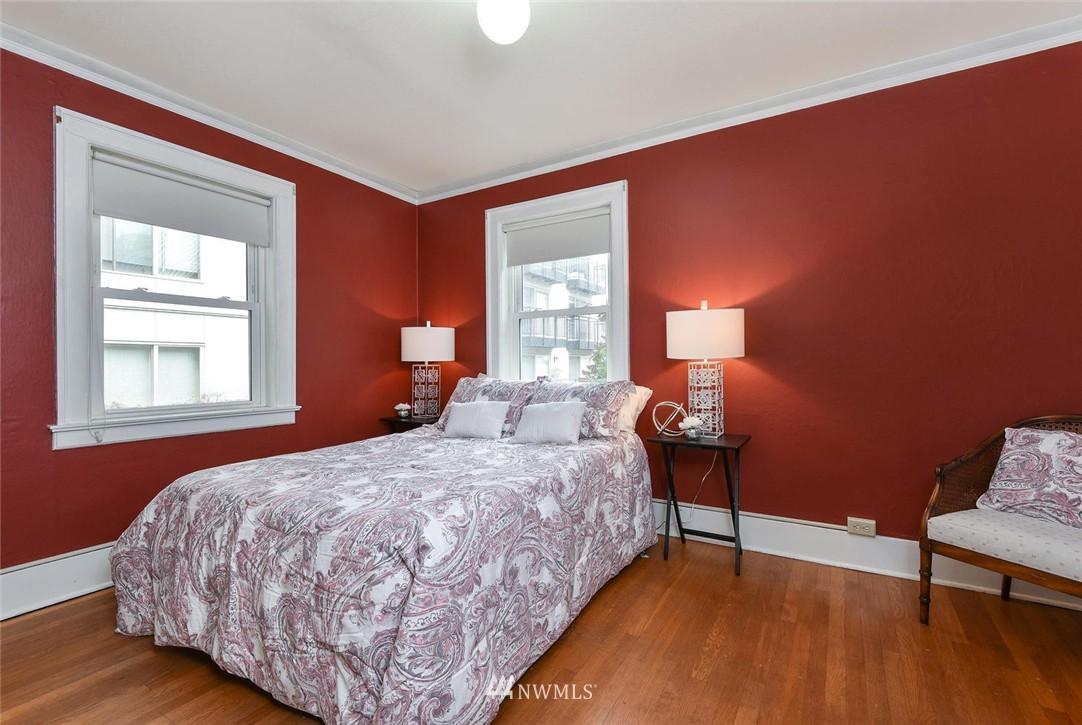 Sold Property | 4725 15th Avenue NE #16 Seattle, WA 98105 14