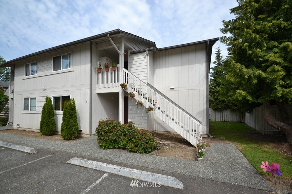 Sold Property | 9127 1st Place NE #2 Lake Stevens, WA 98258 0