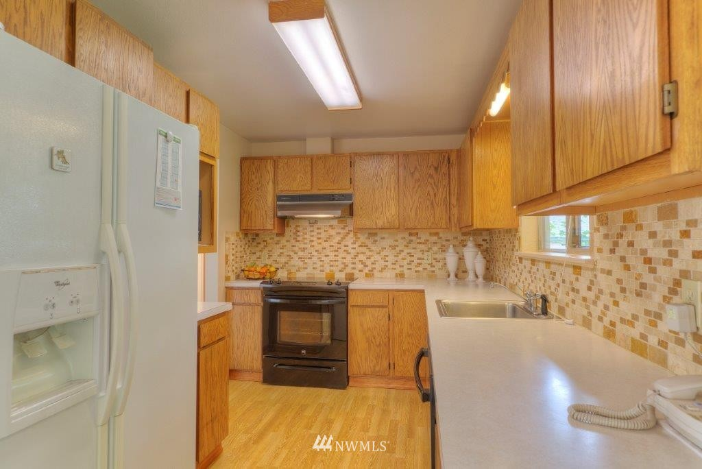 Sold Property | 18303 38th Avenue S SeaTac, WA 98188 2