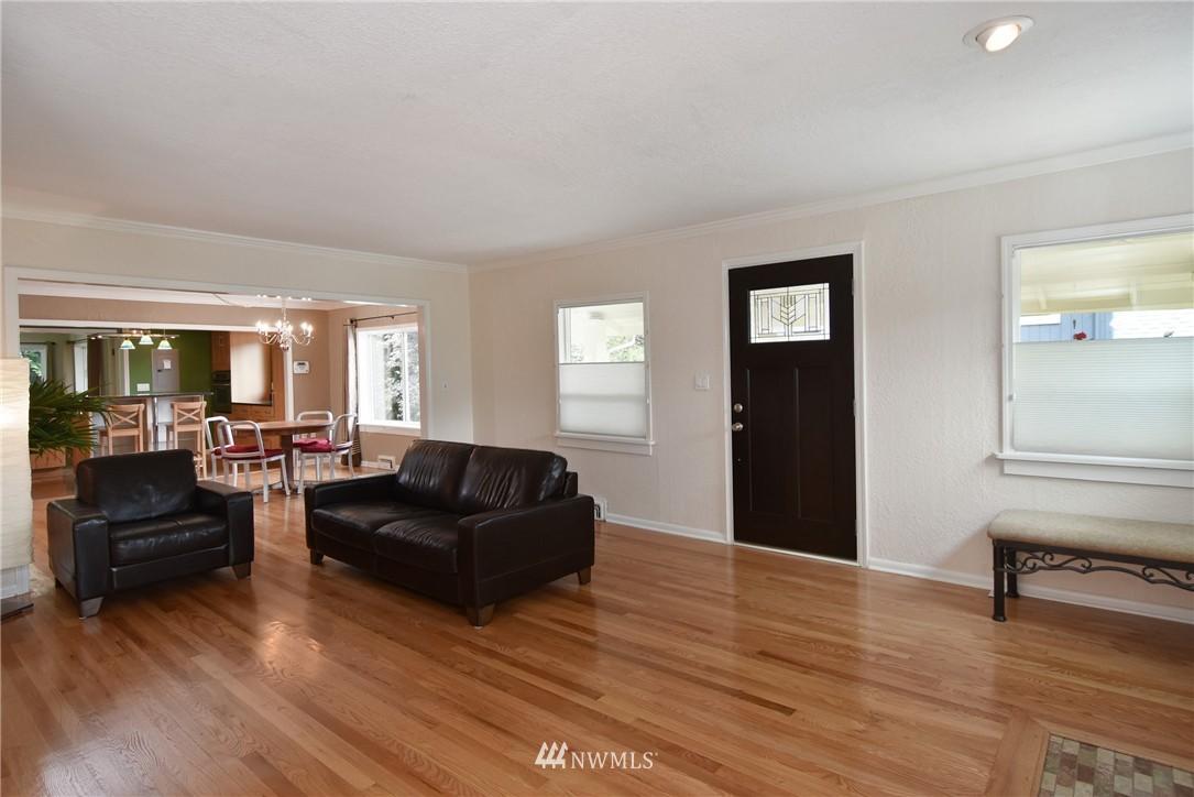 Sold Property | 9323 57th Avenue S Seattle, WA 98118 6