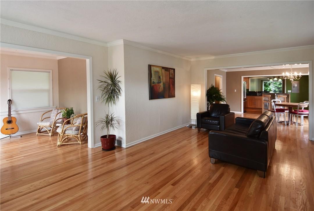 Sold Property | 9323 57th Avenue S Seattle, WA 98118 7