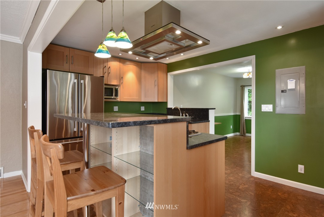 Sold Property | 9323 57th Avenue S Seattle, WA 98118 12
