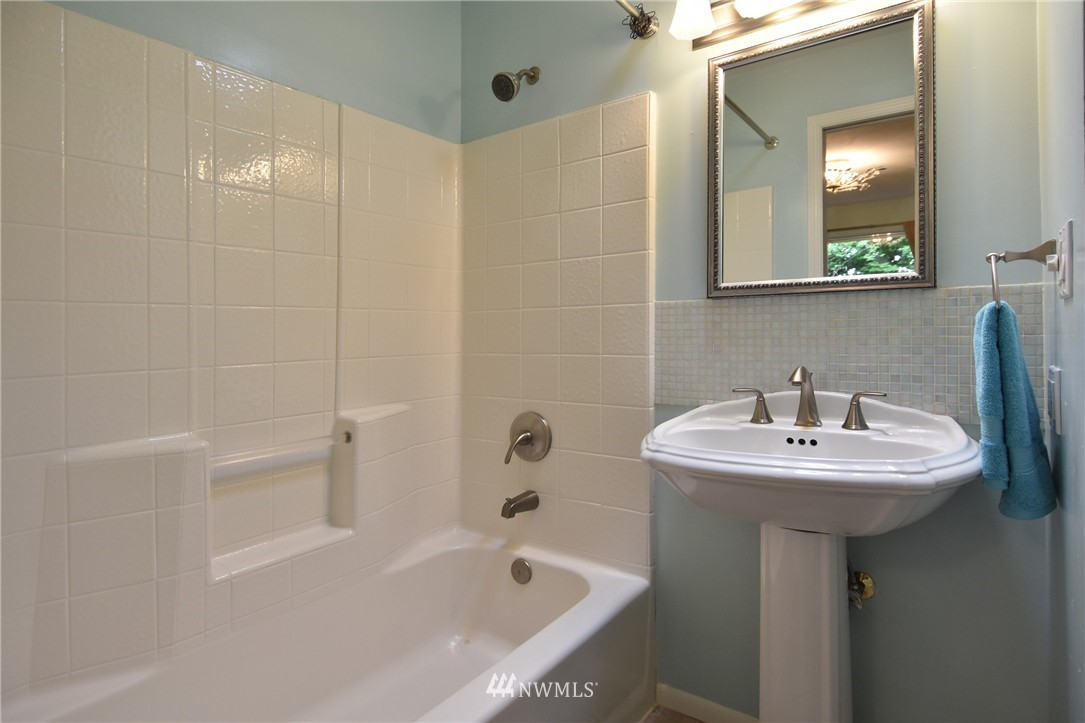Sold Property | 9323 57th Avenue S Seattle, WA 98118 18