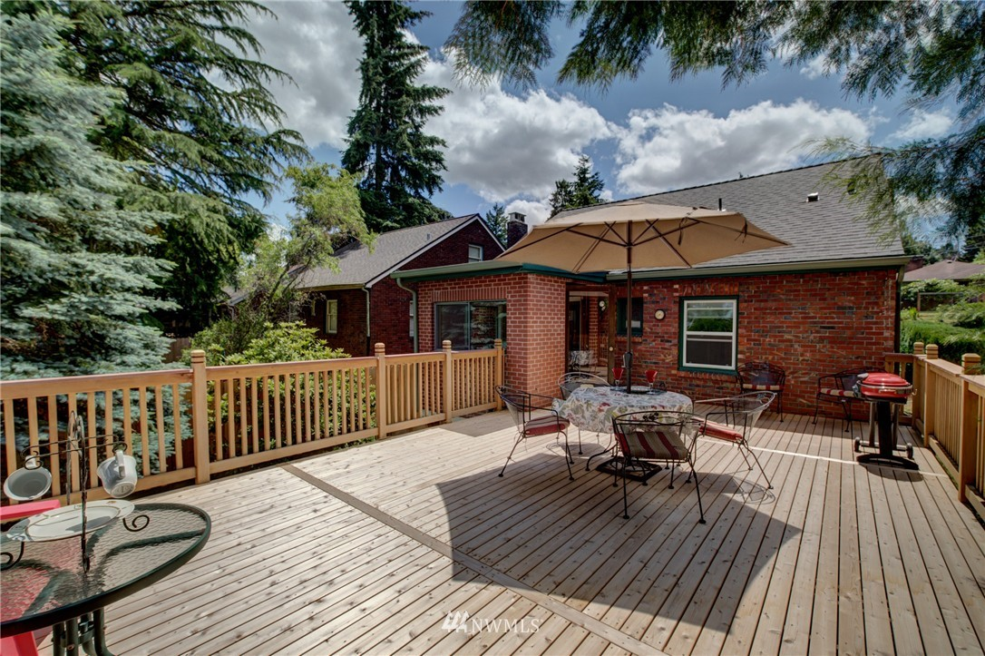 Sold Property   1214 NE 98th Street Seattle, WA 98115 21