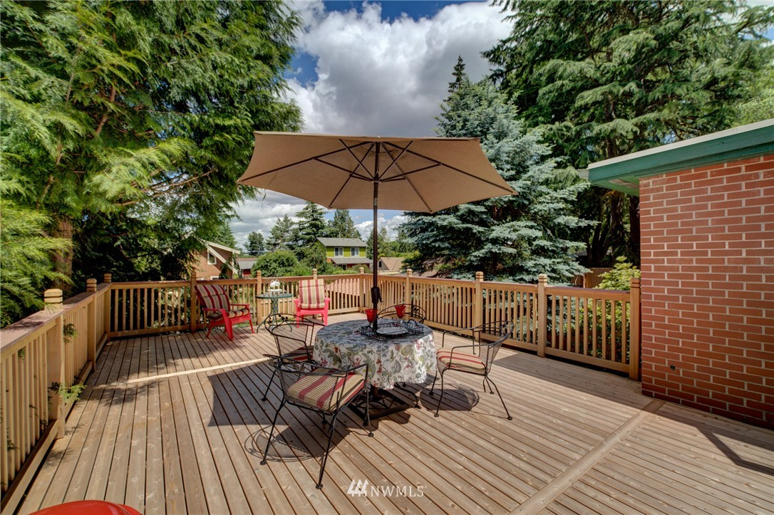Sold Property   1214 NE 98th Street Seattle, WA 98115 22